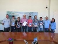 Estudantes realizam entrevista com a Comissão de trânsito