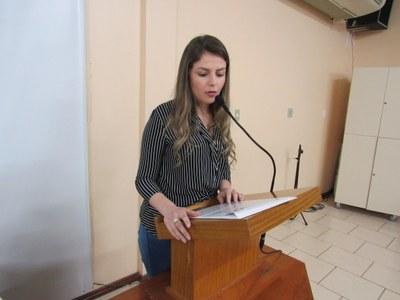 Jennyfer assume no Legislativo Serafinense