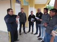 Vereadores acompanham vistoria na escola do Bela Vista